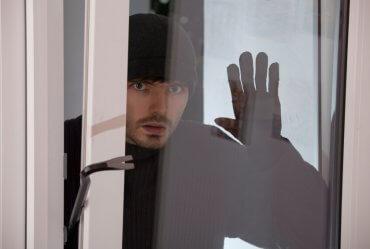 Image of a Social Media – Burglars' Best Friend