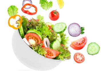 Image of a How Eating a Salad to Lose Weight May Actually Work Against You