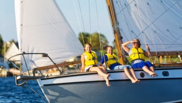 Image of 4 Tampa Bay Boating Tips that will Keep Your Family Safe and Happy