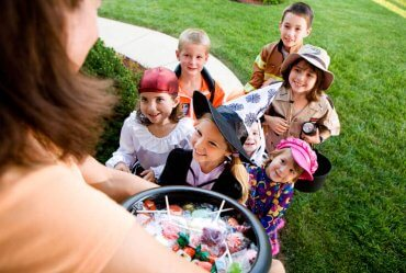 Image of Halloween – Staying Safe While Trick-or-Treating in a Pandemic