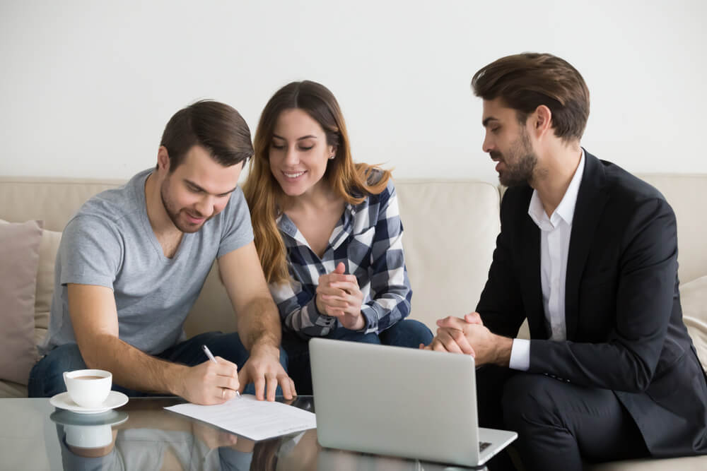 renters signing contract with first time landlord