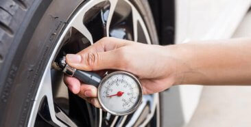 Image of a Your Guide to Using a Tire Pressure Gauge